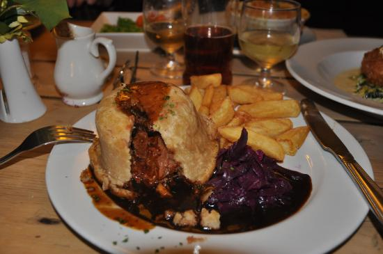 Snape, UK: Good pub grub!