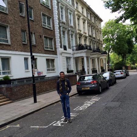 Picture of queens park hotel london for 48 queensborough terrace bayswater westminster london w2 3sj