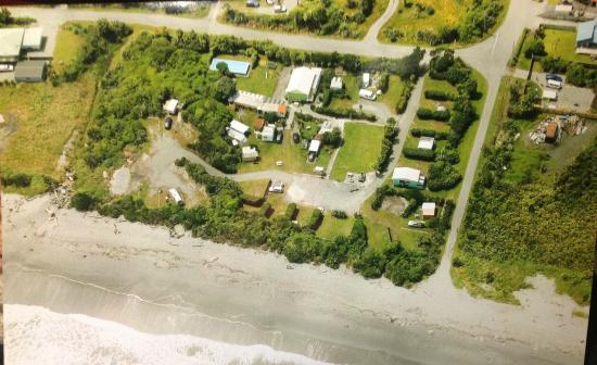 Rapahoe Bay Holiday Park : Aerial view of camp summer 2015