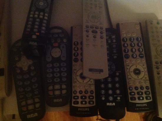 Albrightsville, Πενσυλβάνια: All the remotes, but not one operates the television