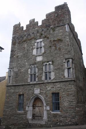 E And T Builders Kinsale ... Desmond Castle & International Museum of Wine, Kinsale - TripAdvisor