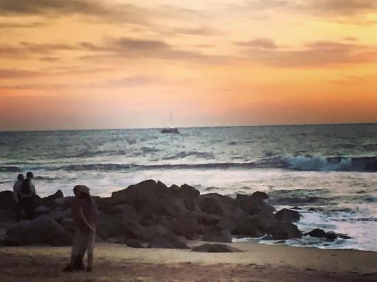 Las 7 Maravillas: Beach nearby