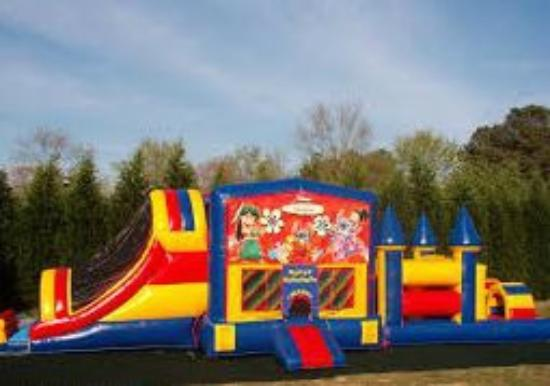 Eagle Ridge Resort & Spa: Bounce houses at the Recreation Field on Special Holidays