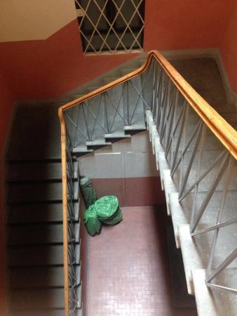 Hotel Canada: escadaria para chegar à recepção