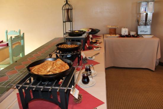 The Greer Peaks Lodge: Breakfast Buffet
