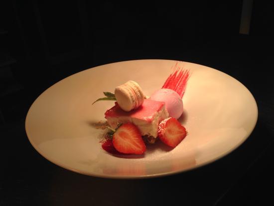 O' Neills Bistro : Strawberry cheesecake, strawberry macaroons, strawberry ice cream