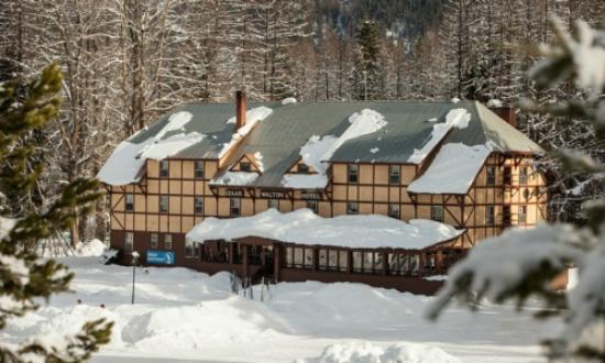 Essex, Montana: The Inn
