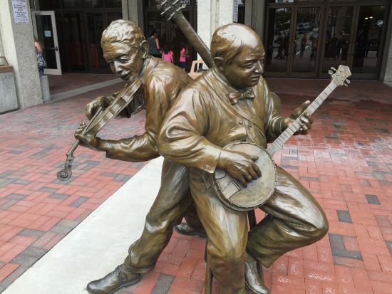 Urban Trail: Downtown statues