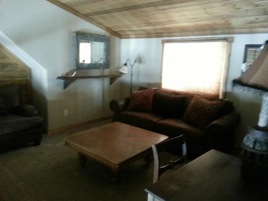 Columbia Falls, MT: Flathead Cabin Loft with pull out sofa