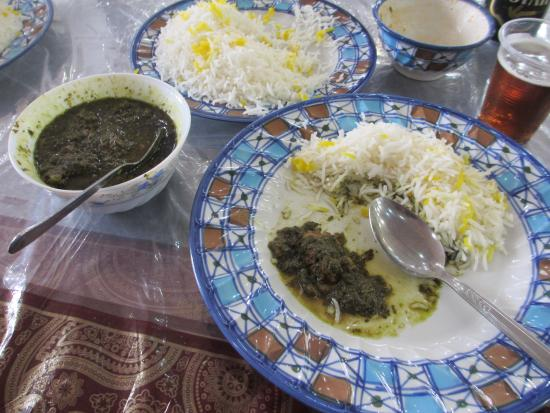 Abyaneh, Irán: Lamb and spinach stew