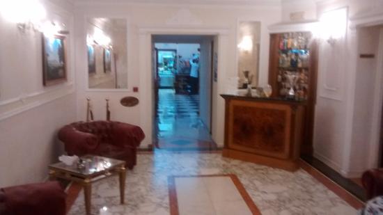 Hotel Contilia: Hall