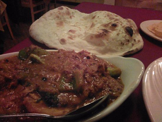 Saber's Taste of India: Spicy chicken curry