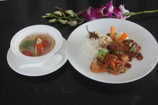 Purple Cherry Restaurant : Com Dui Ga BBQ