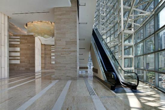 L'hotel Nina et Convention Centre: Direct Link to Nina Tower Shopping Mall via Escalator