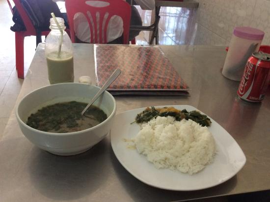 Vegetarian Foods Restaurant: green soya milk, rice, something delicious with scent of coconut and lemon grass