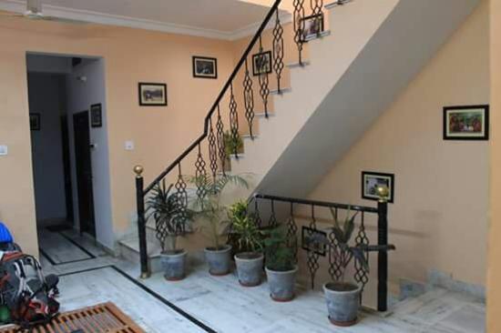 Madhur Villa Guest House