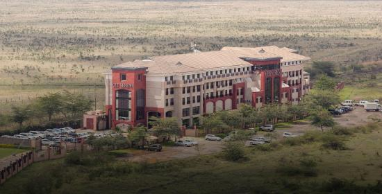 Ole Sereni: view of the hotel from a bird's eye surrounded by the National Park