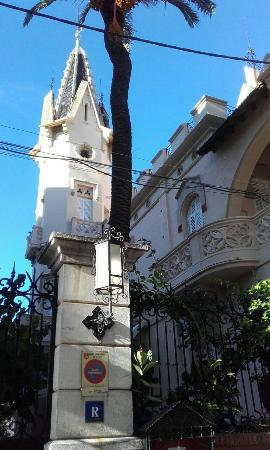 Hotel El Xalet: Outside the hotel