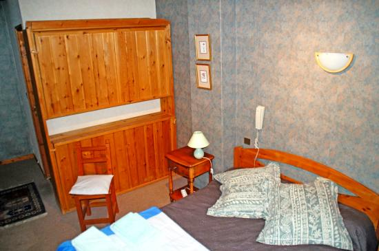 Freissinieres, Francia: Chambres 4 personnes (dont 2 lits de 1.4m. ou 1.7m.)
