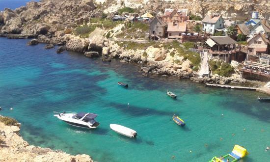 Spiaggia vista dalla strada 5 foto di popeye village malta mellieha tripadvisor - Malta a novembre bagno ...