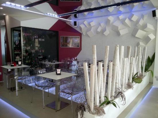 Bar Ca'nova: sala per colazioni al tavolo