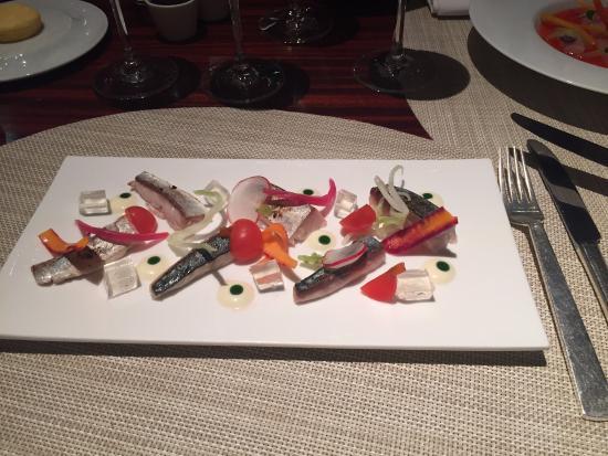 L 39 entr e picture of la cuisine le royal monceau paris for Restaurant la cuisine royal monceau