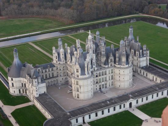 Contres, France : Chambord s'offre à nous telle une maquette