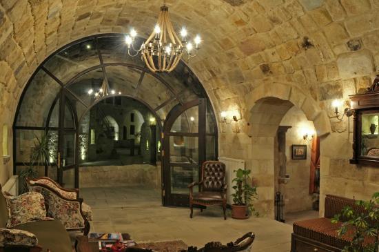 Dere Suites Cappadocia: RECEPTION & LOBBY