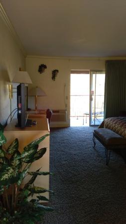 Cedars Resort: room