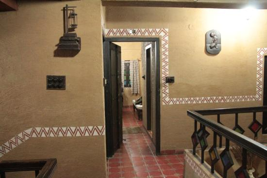 Hansa Heritage Hotel: view of room from stairwell