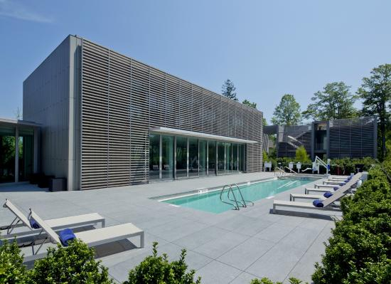 """Bridgehampton, NY: Topping Rose House is proud to announce """"Pool-Side-Service,"""" Summer 2016"""
