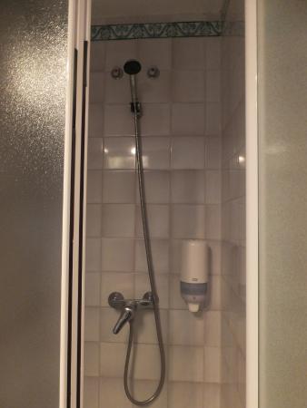 Hotel Alcantara: シャワー