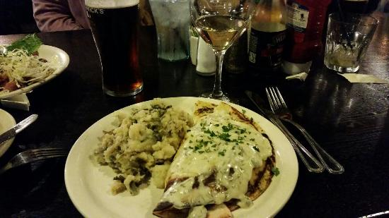 Garman's Restaurant and Irish Pub: Salmon boxty