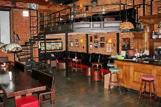 Laphroaig Irish Pub