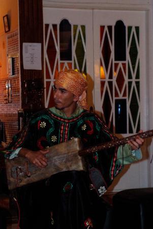 Hotel Cap Sim : Gruppo musica Gnawa