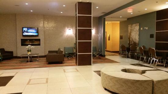 Comfort Hotel Bayer's Lake: 20151121_180307_large.jpg