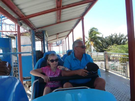 Todo en Uno: The start of the roller coaster - our friends (Richard and Rosaly)