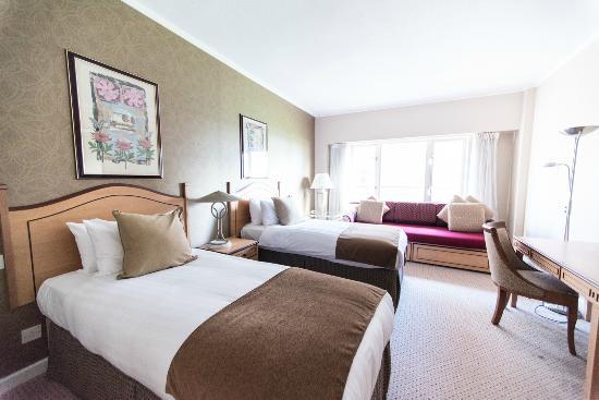 Golden Jubilee Conference Hotel: Standard Twin Room