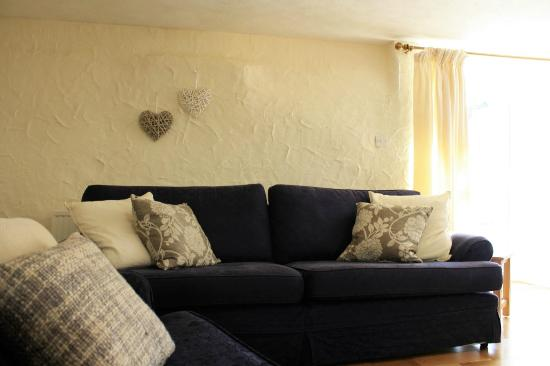 Nanplough Country House & Cottages: Pheasant Walk's lounge