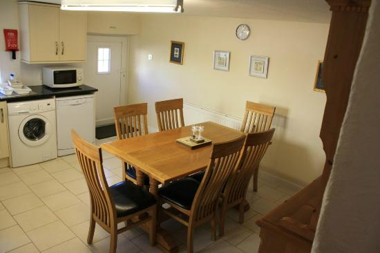 Nanplough Country House & Cottages: Pheasant Walks kitchen