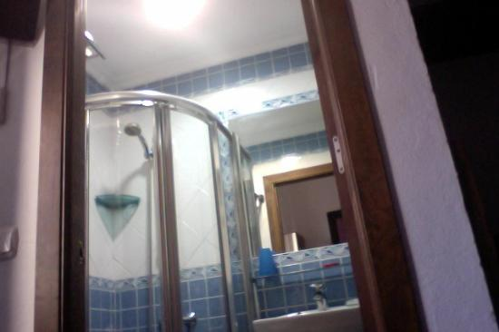 El Asturiano: Bathroom