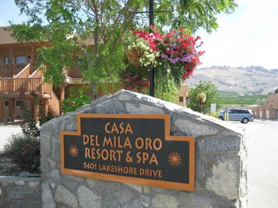 Casa Del Mila Oro Resort: Entrance to the Resort.