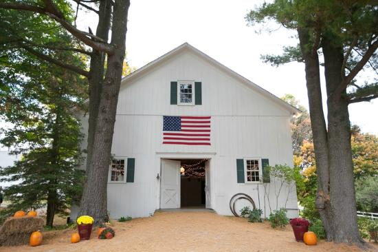 Richmond, MA: Flag Barn/ Game Room
