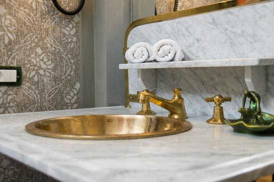Vila Katharina: Antique Marble Sink