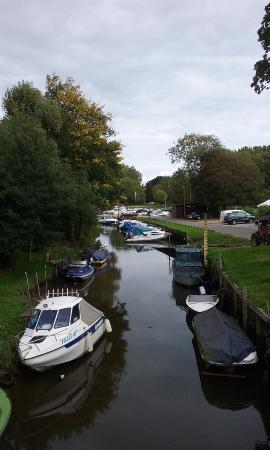 Riverside Park: On River Stour
