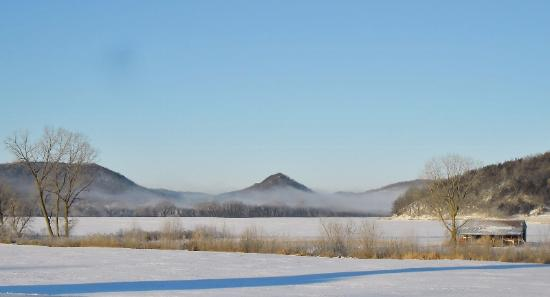 Houston, Minnesota: Cushions Peak in winter