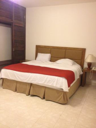 Chac Chi Hotel & Suites: cama enorme