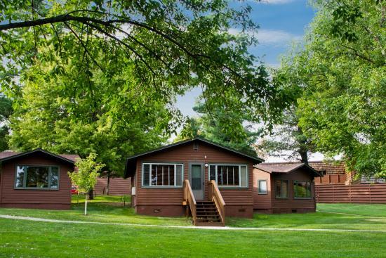 Deerwood, MN: Lakefront cabin