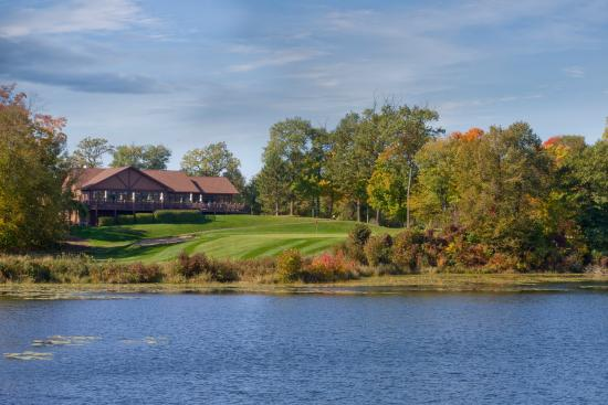 Deerwood, MN: Zig's Restaurant and the 18th hole across Bass Lake