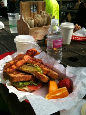Wallace Station: sandwich